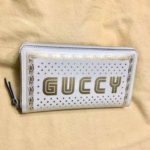 LIMITED EDITION Gucci Moon & Stars SEGA zip wallet